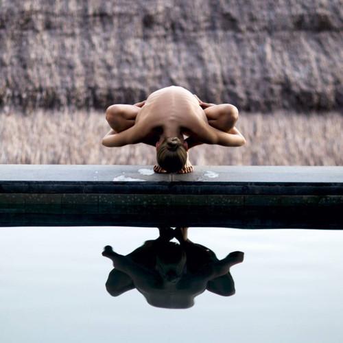buc anh phu nu khoa than yoga 13 - Bộ ảnh khỏa thân tập Yoga đẹp mê hồn
