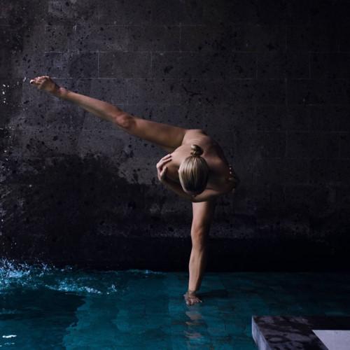 buc anh phu nu khoa than yoga 6 - Bộ ảnh khỏa thân tập Yoga đẹp mê hồn